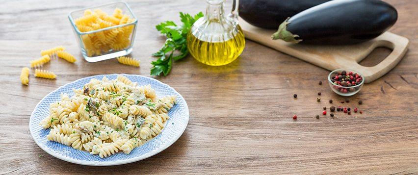 Fusilli melanzane e mozzarella un piatto semplice e gustoso