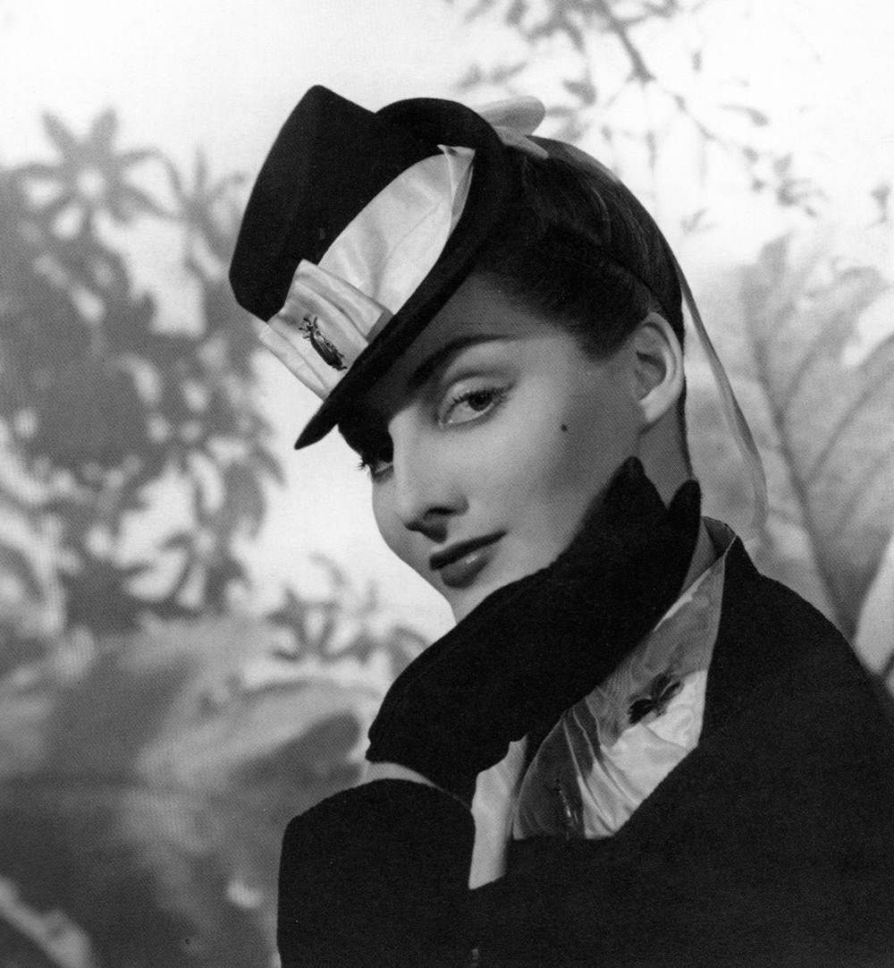 elsa_schiaparelli_mini_top_hat