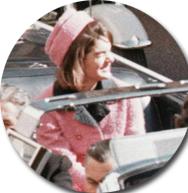 indossava un tailleur rosa di Chanel ROSA PRIMAVERA ROMANTICA