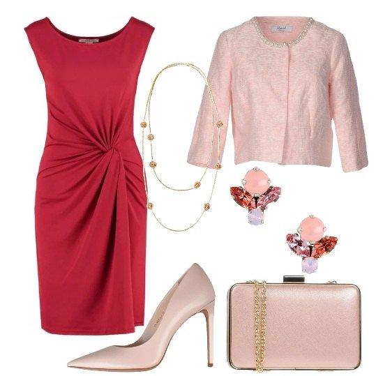 Per la primavera, l'abbinamento più chic: fashion+tradizione un ossimoro cromatico strong e cosmopolita, rosa+rosso. Ovvero un connubio considerato da sempre tabù, ma che oggi si è trasformato in un must capace di donare una sferzata di dinamismo ed energia all'intera silhouette. ROSA PRIMAVERA ROMANTICA